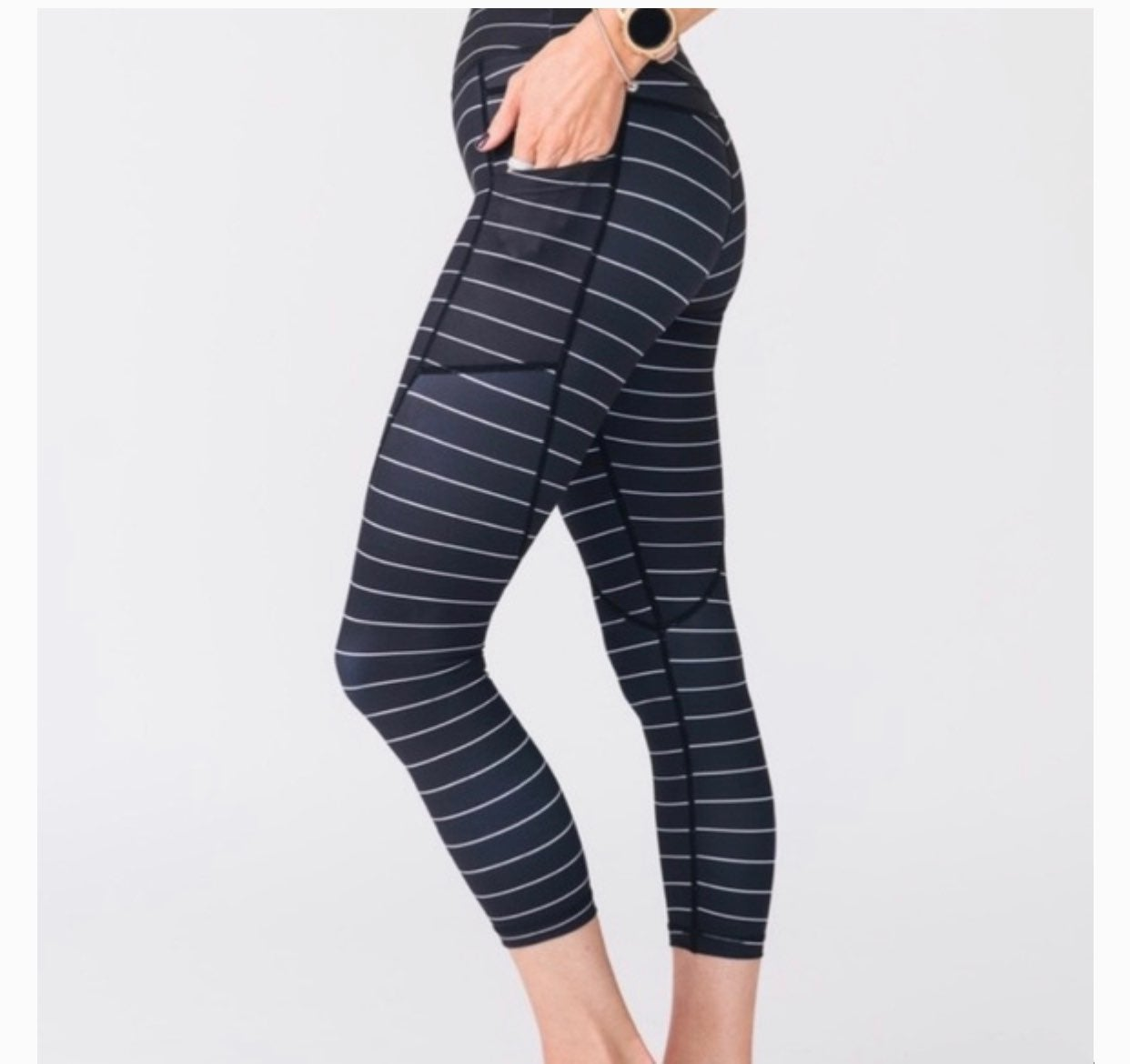 Zyia light and tight stripped Leggings 4
