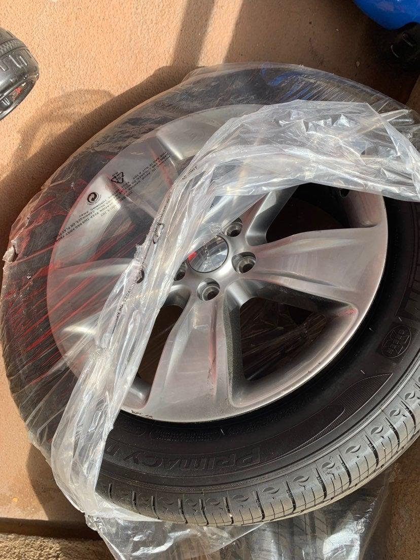 Set Rims And Tires Original Stocks 22'