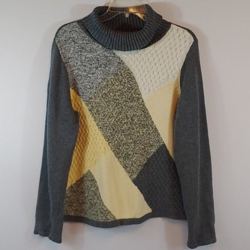 Crazy Horse Women's Sweater Size XL