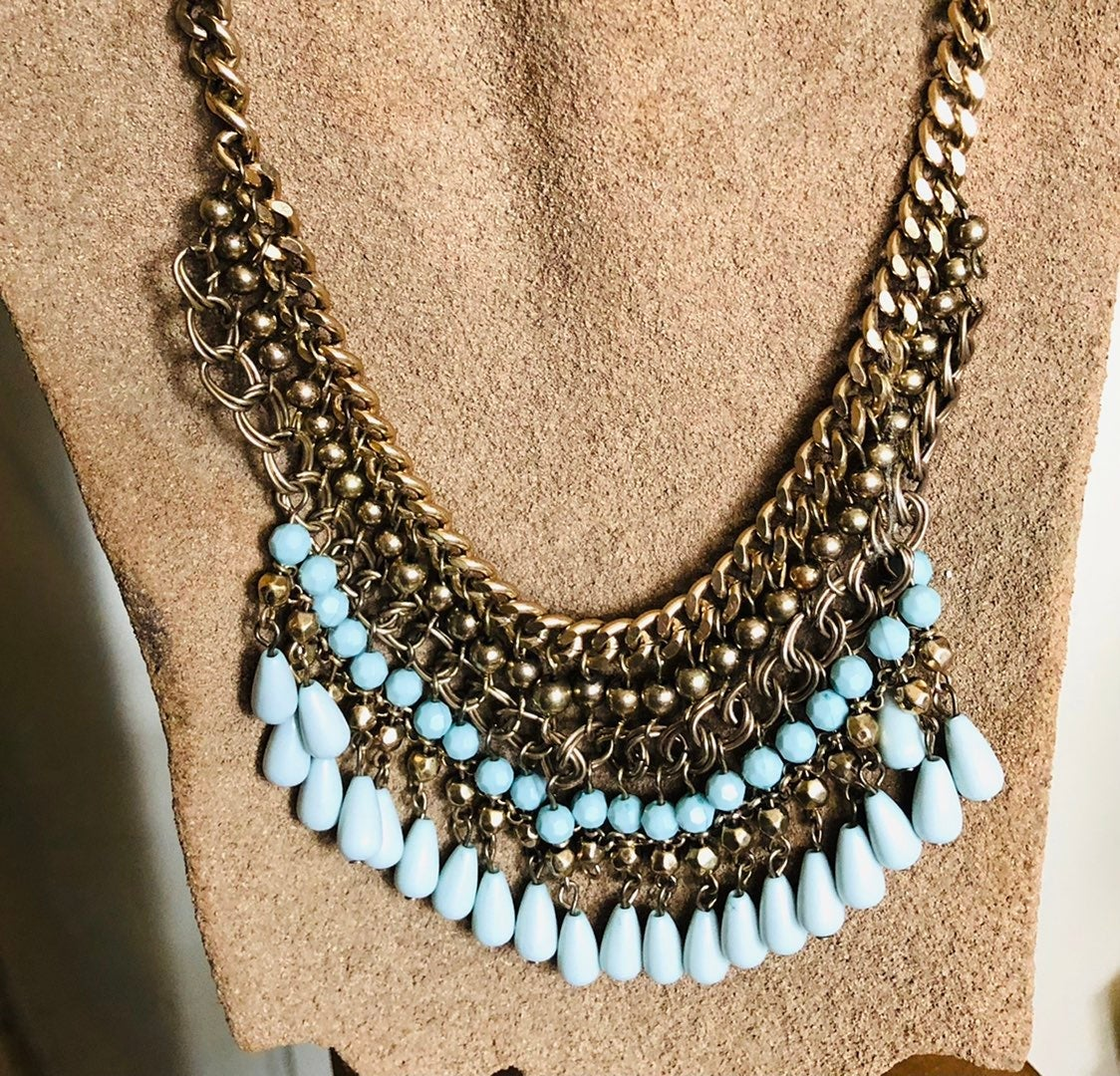 Fashion statement Necklace - NEW