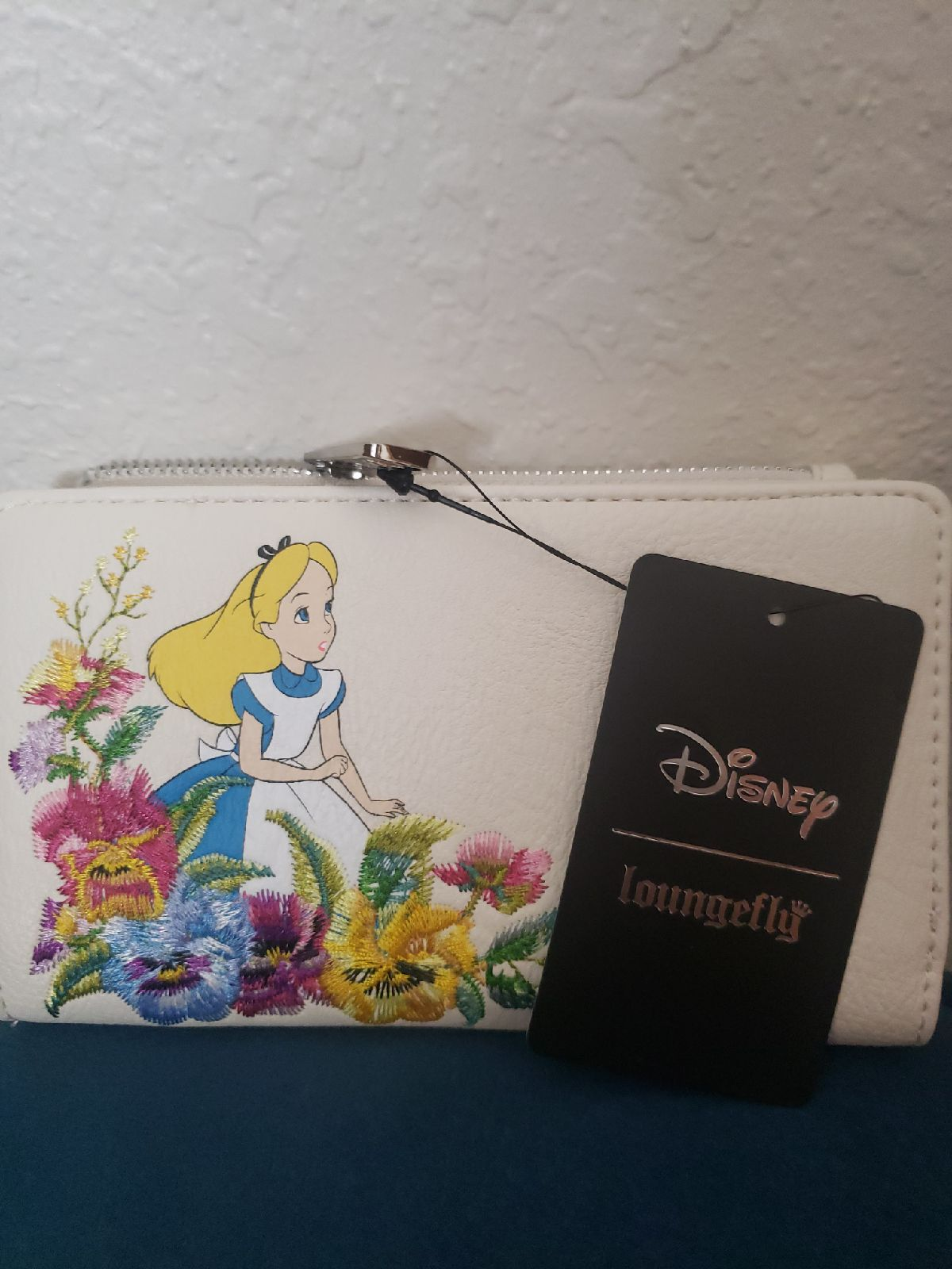 NWT Loungefly Alice Floral Wallet