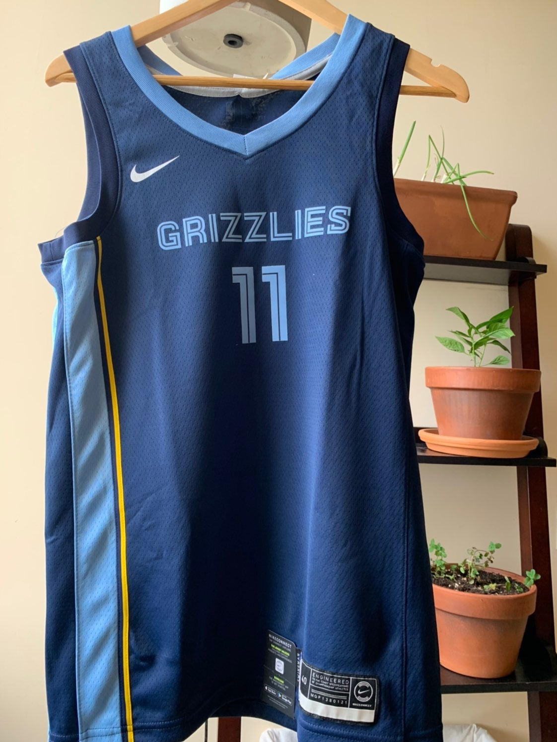 Nike Grizzlies Jersey Mile Conely size S