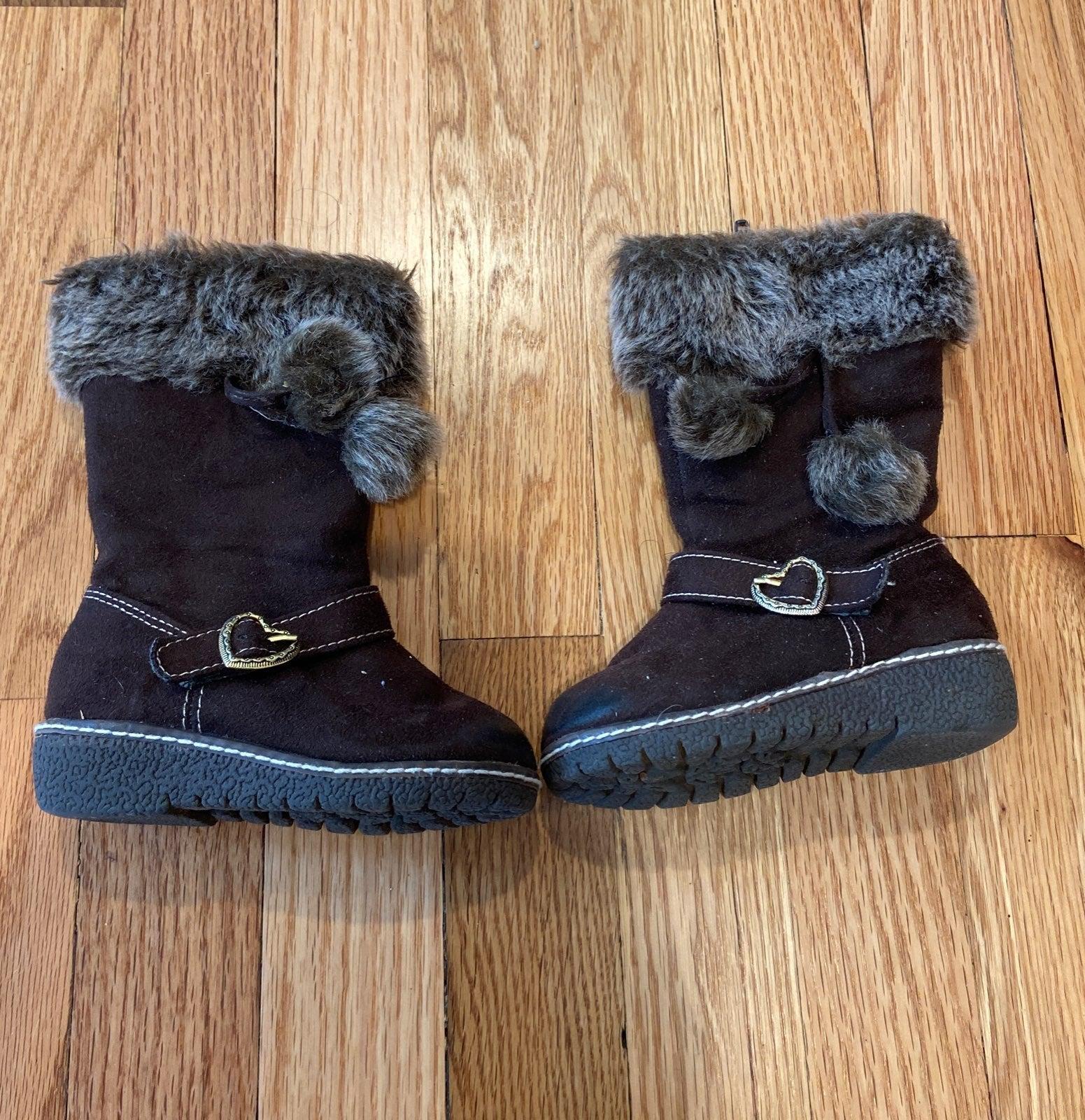 Girls faux fur boots size 6
