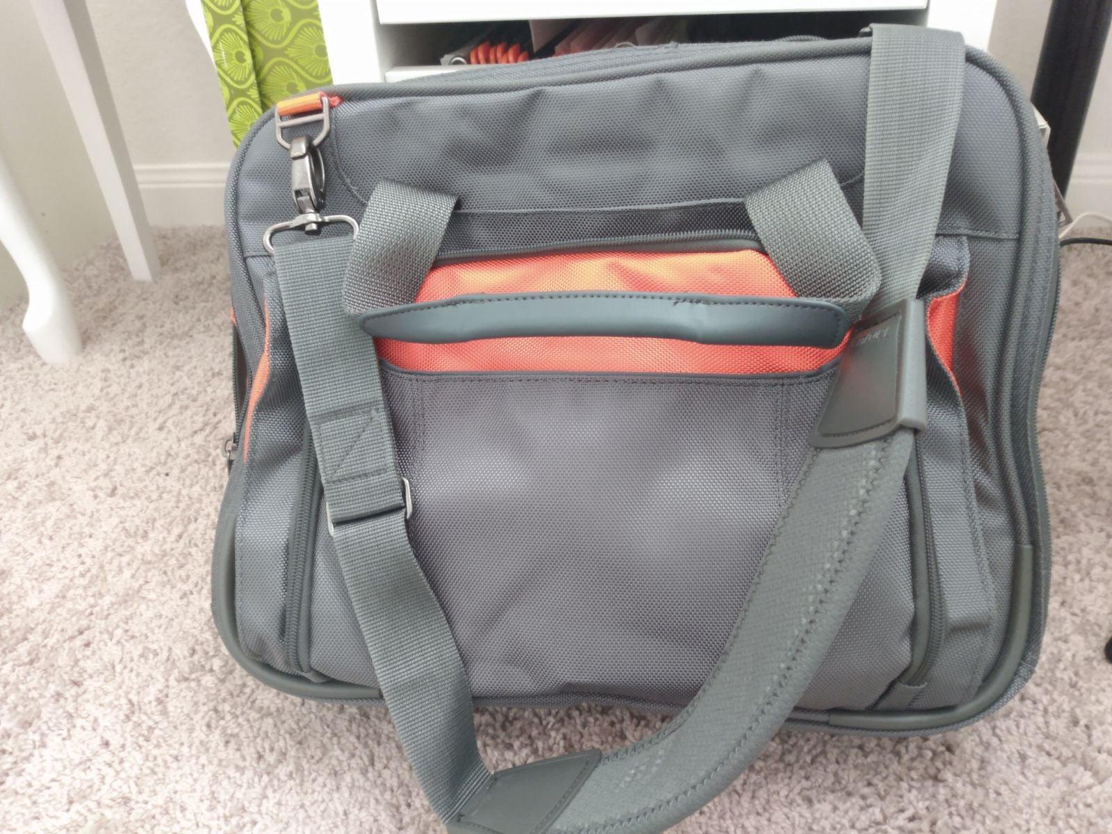Targus laptop protection shoulder bag