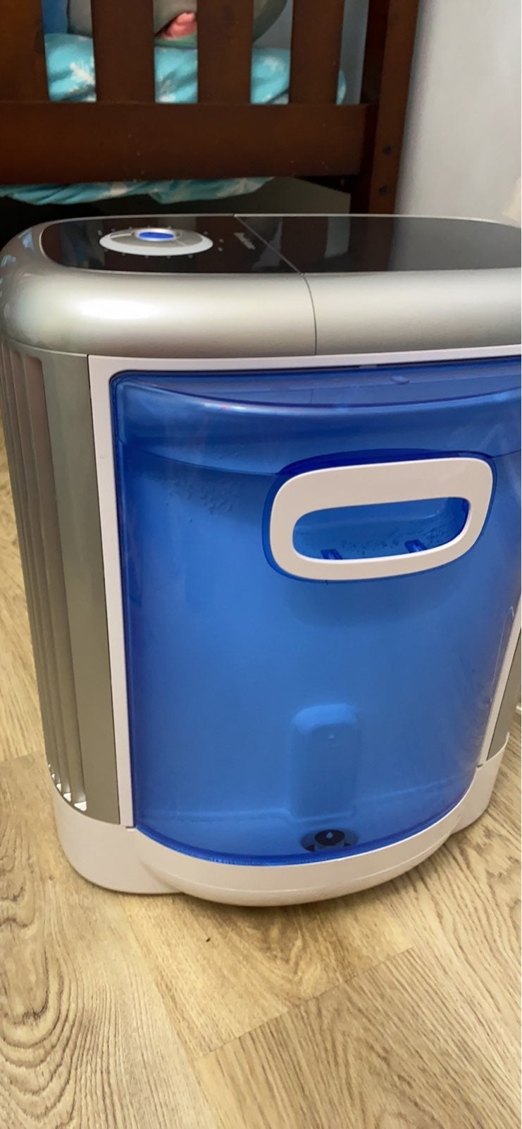 Brookstone huminifier with washable filt