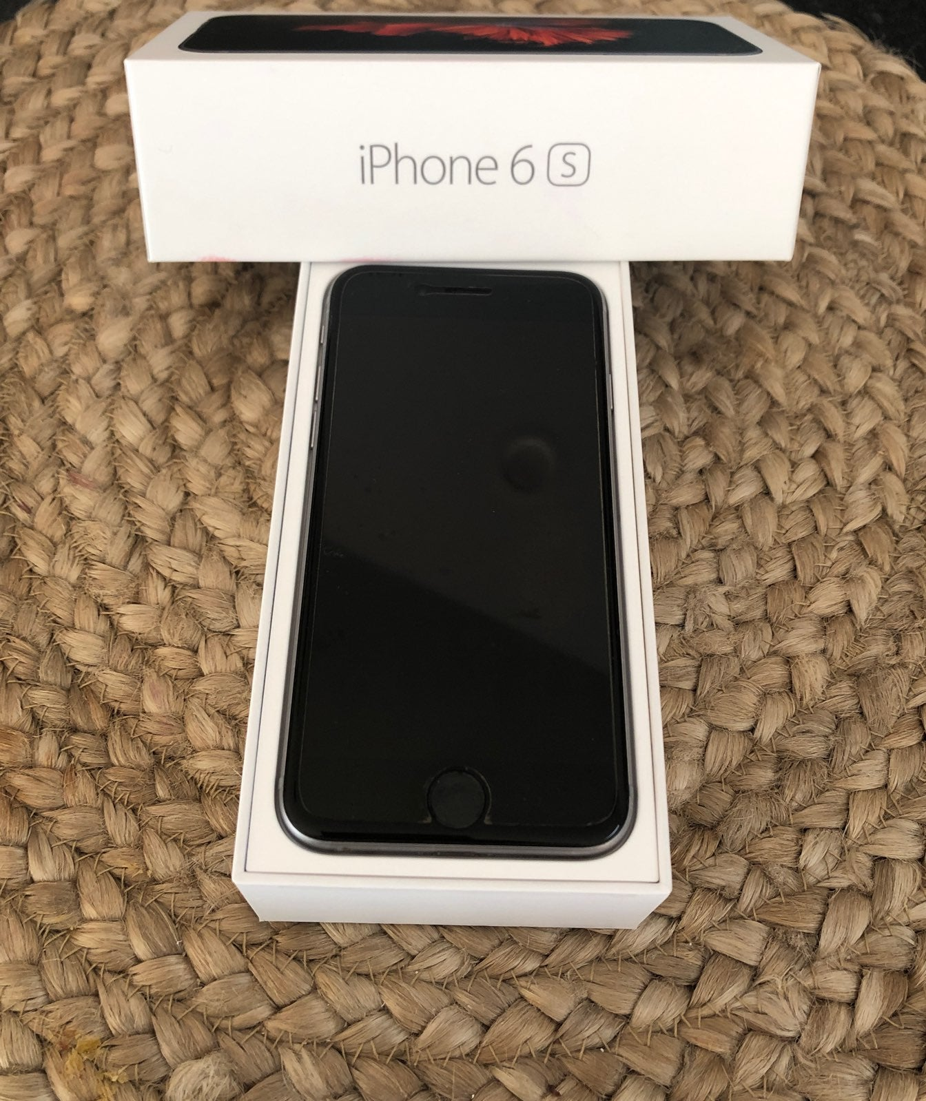 iPhone 6s Silver 64 GB AT&T w/Case