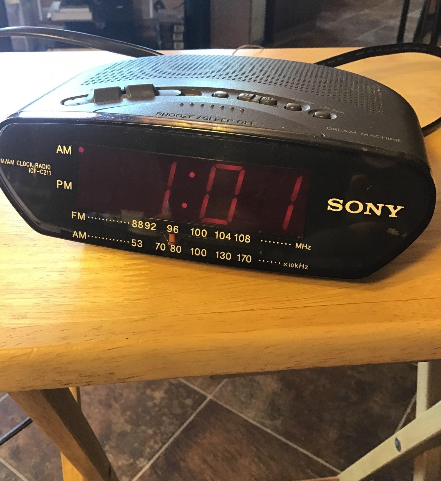 Sony Digital AM/FM Radio Alarm clock