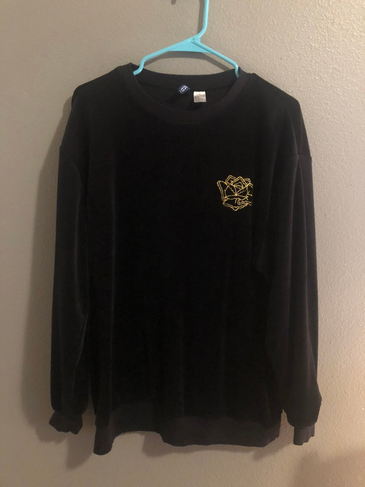 H&M divided Velvet long sleeve shirt