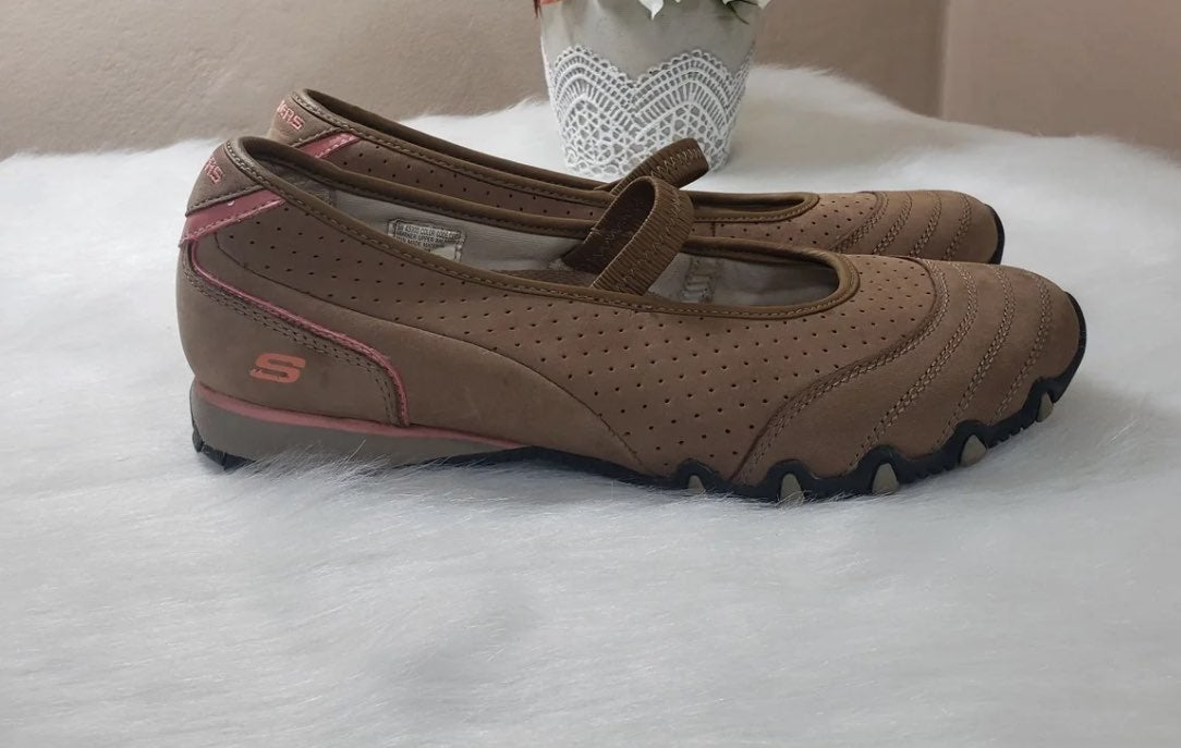 SKECHERS Mary Jane Shoes | Mercari