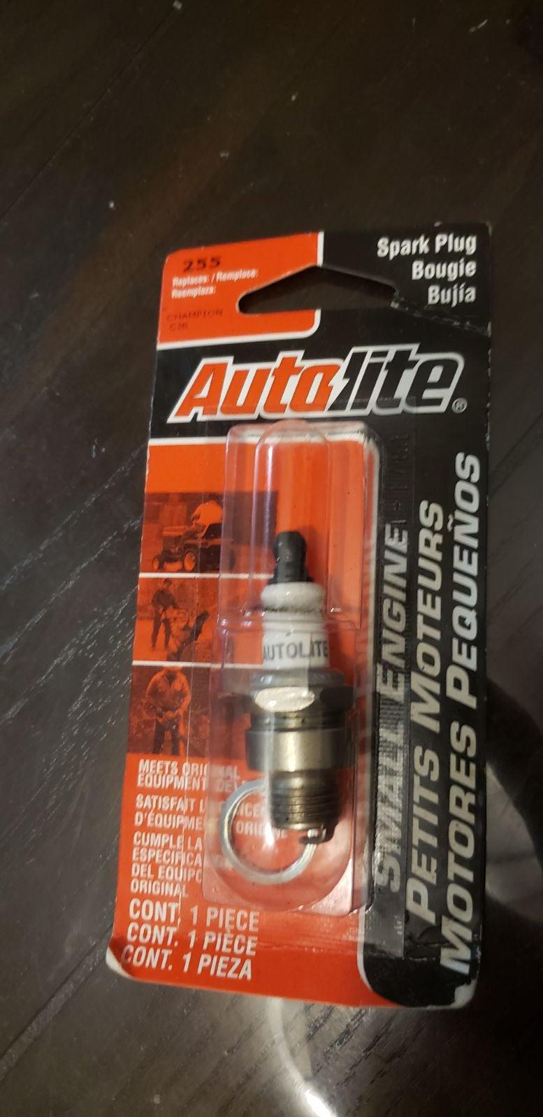 Autolite spark plugs. 8 total