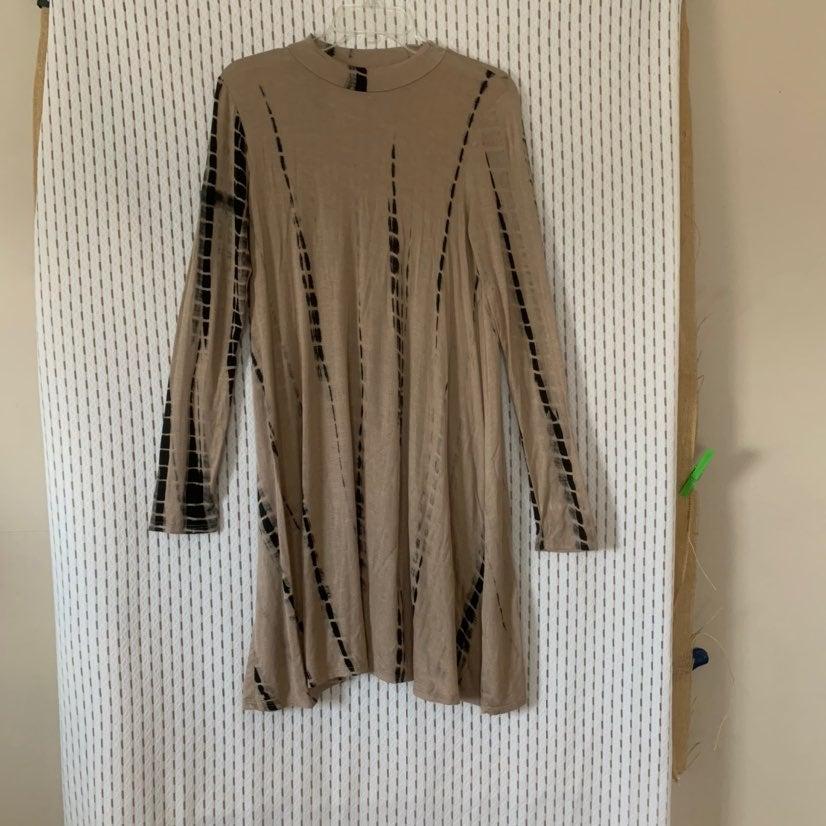 Sweet Claire | Tie Dye Long Sleeve Dress