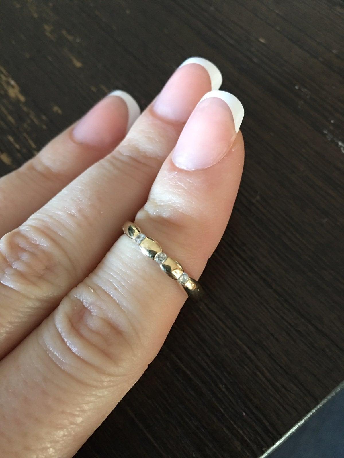 Yellow gold 3 stone ring