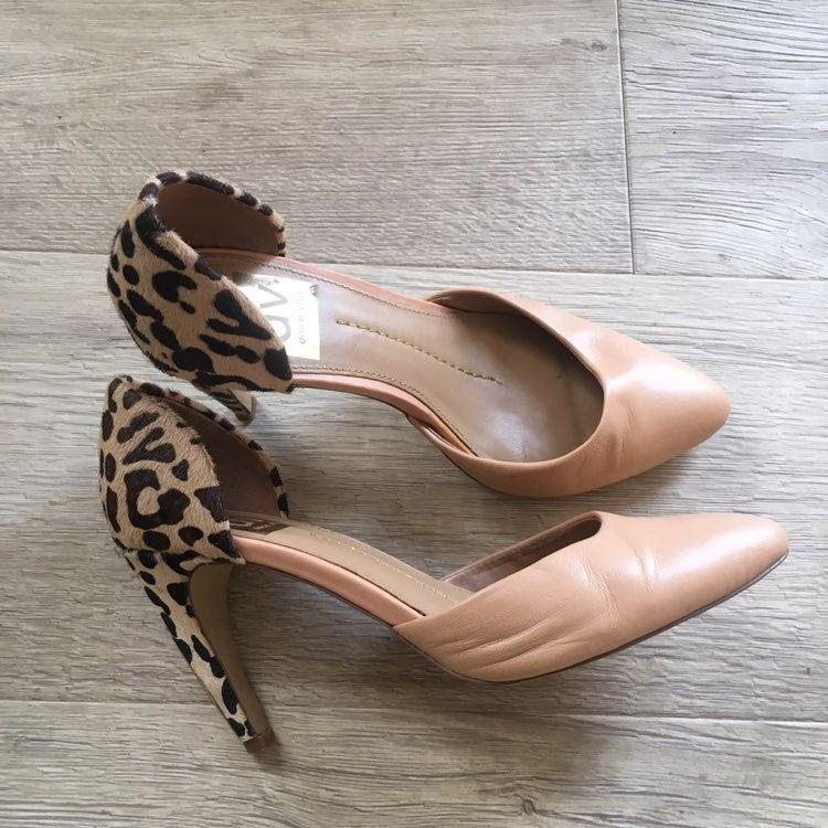 Dolce Vita unique leopard print heels