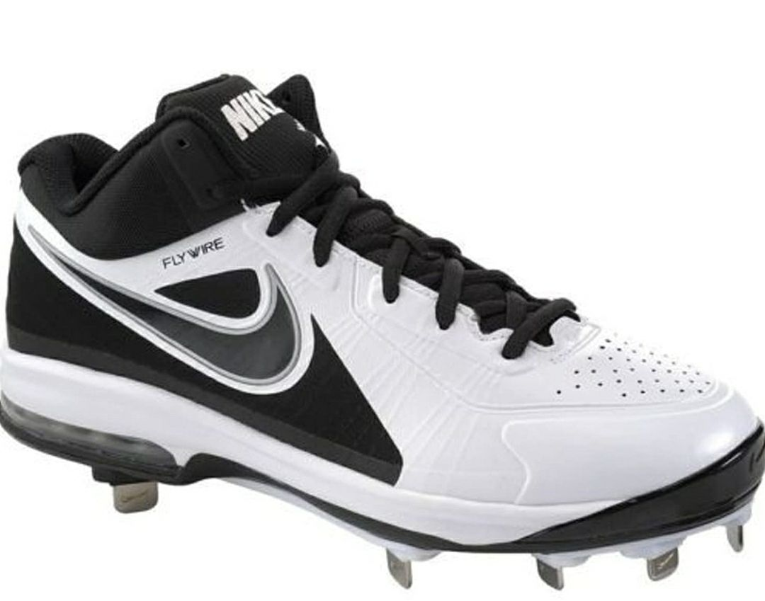 Nike Air Max MVP Elite Cleats size 8.5