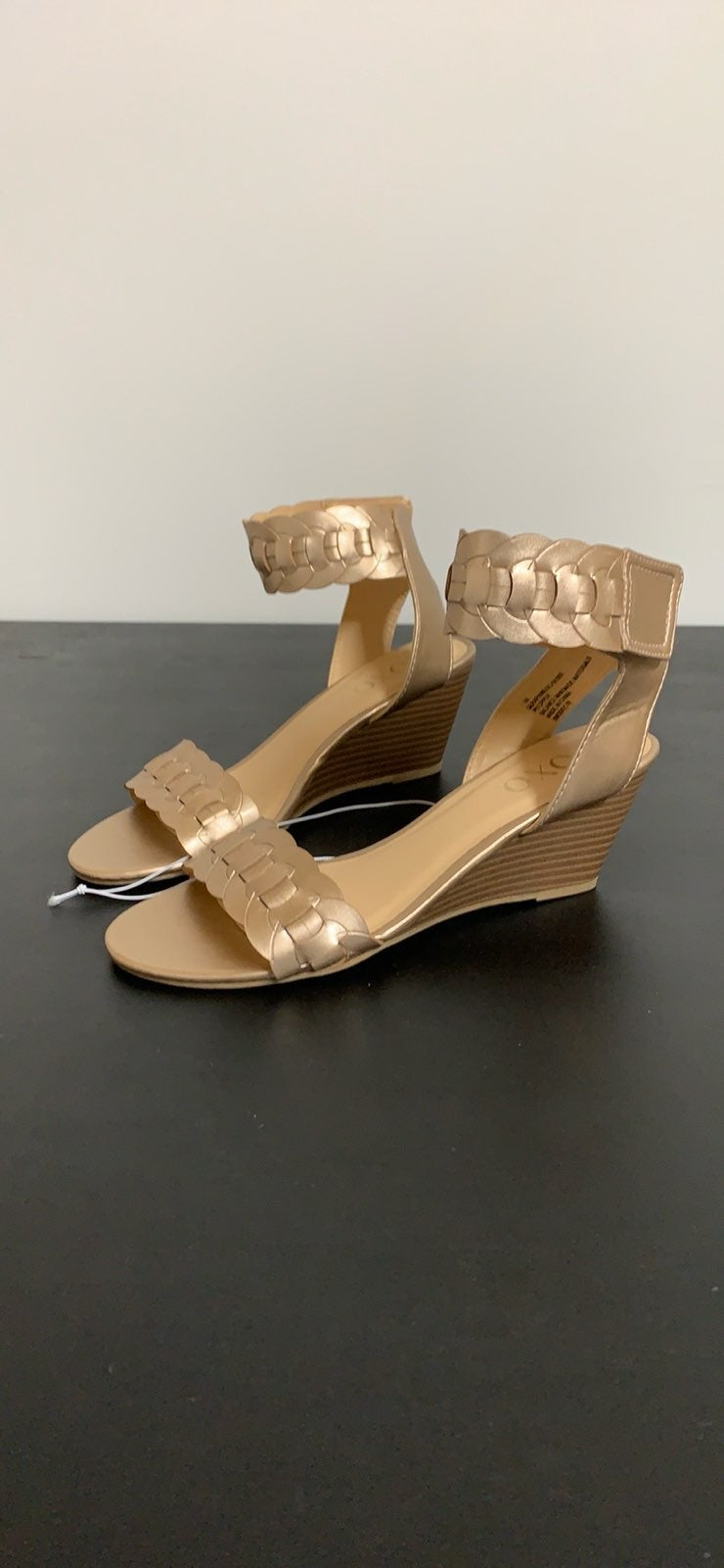 XOXO Womens Seraphine Wedge Sandals size
