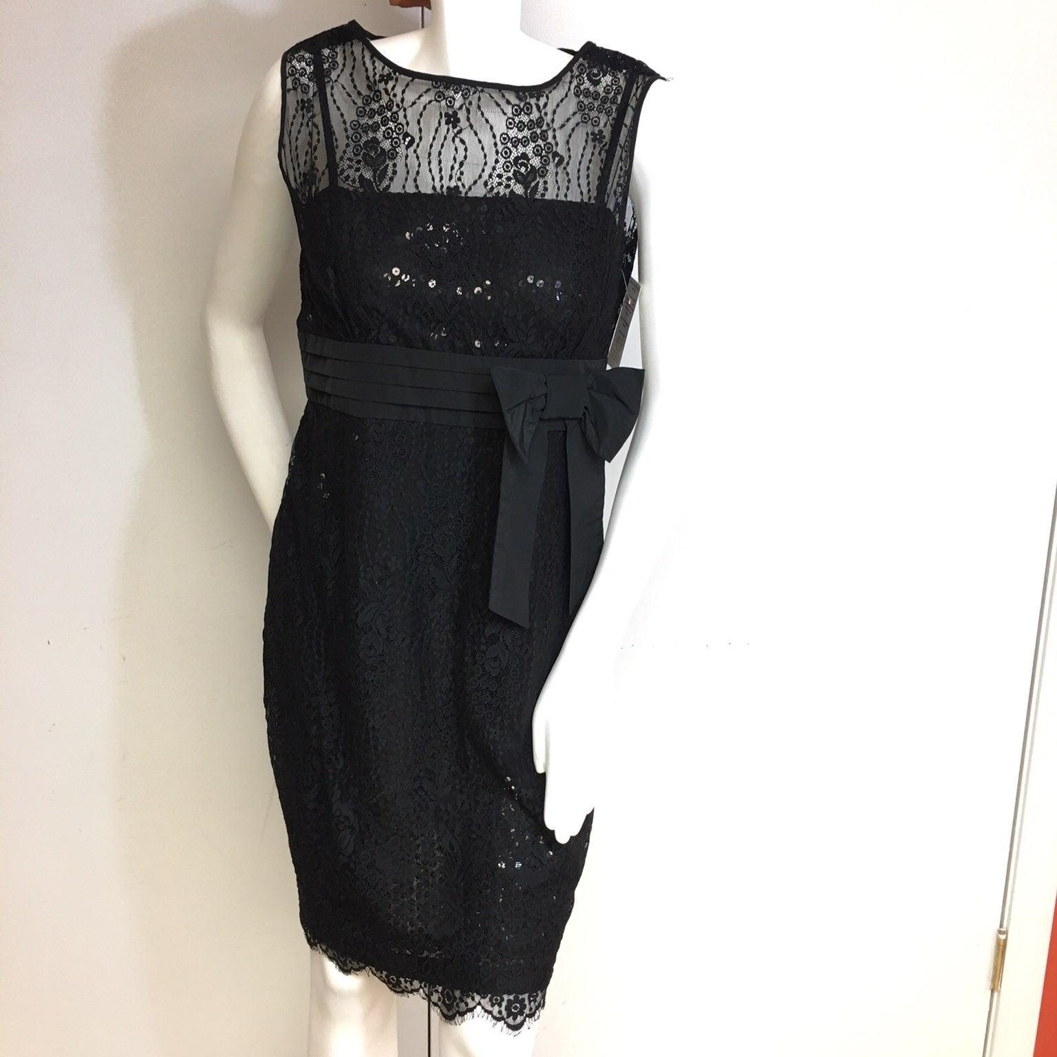 Black lace sleeveless short dress