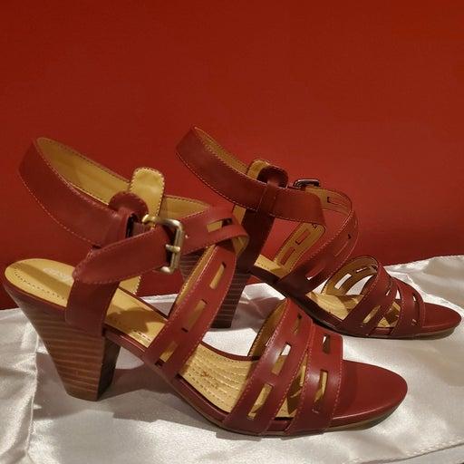 Easy Spirit heel strappy sandals. Sz 8
