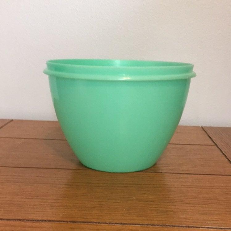 Vintage Tupperware Crisp-It Jadite Bowl
