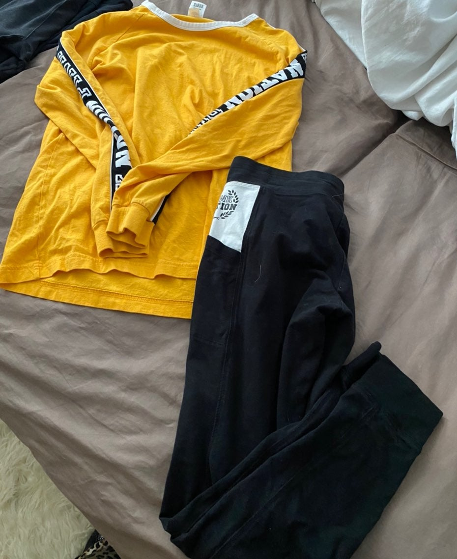 PINK victoria secret outfit