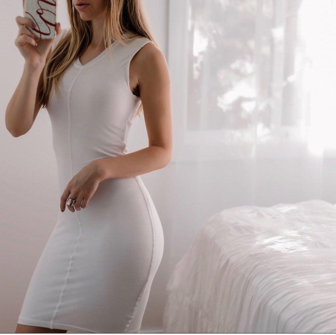 SIMPLE WHITE SLUB DRESS