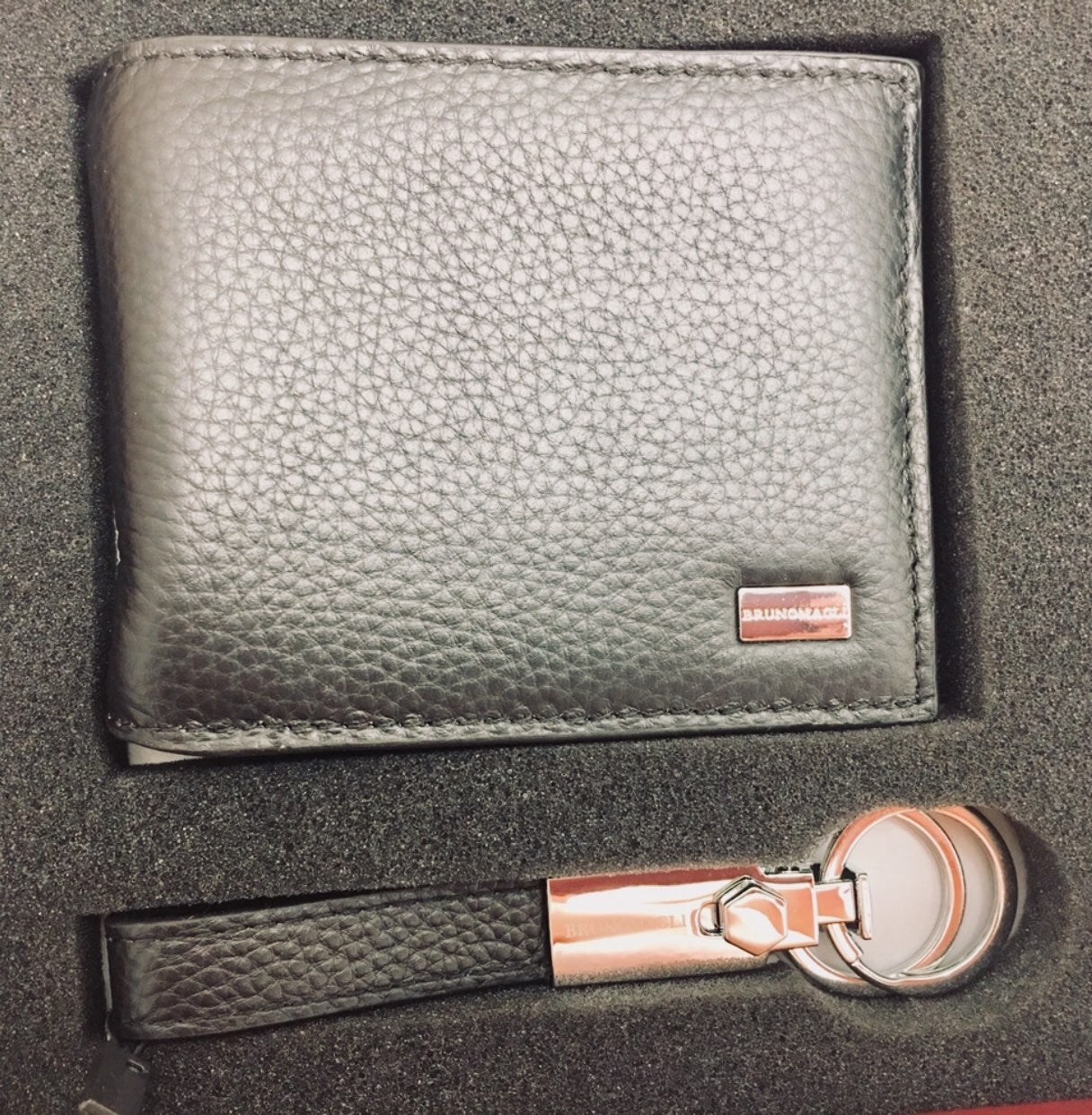 Bruno magli wallet set. Retail $149. 3 N