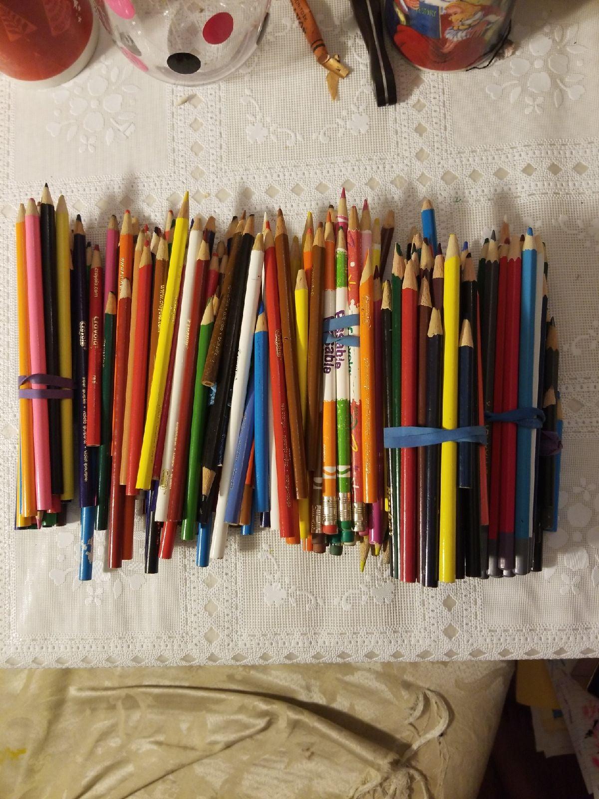 Colored pencils bulk