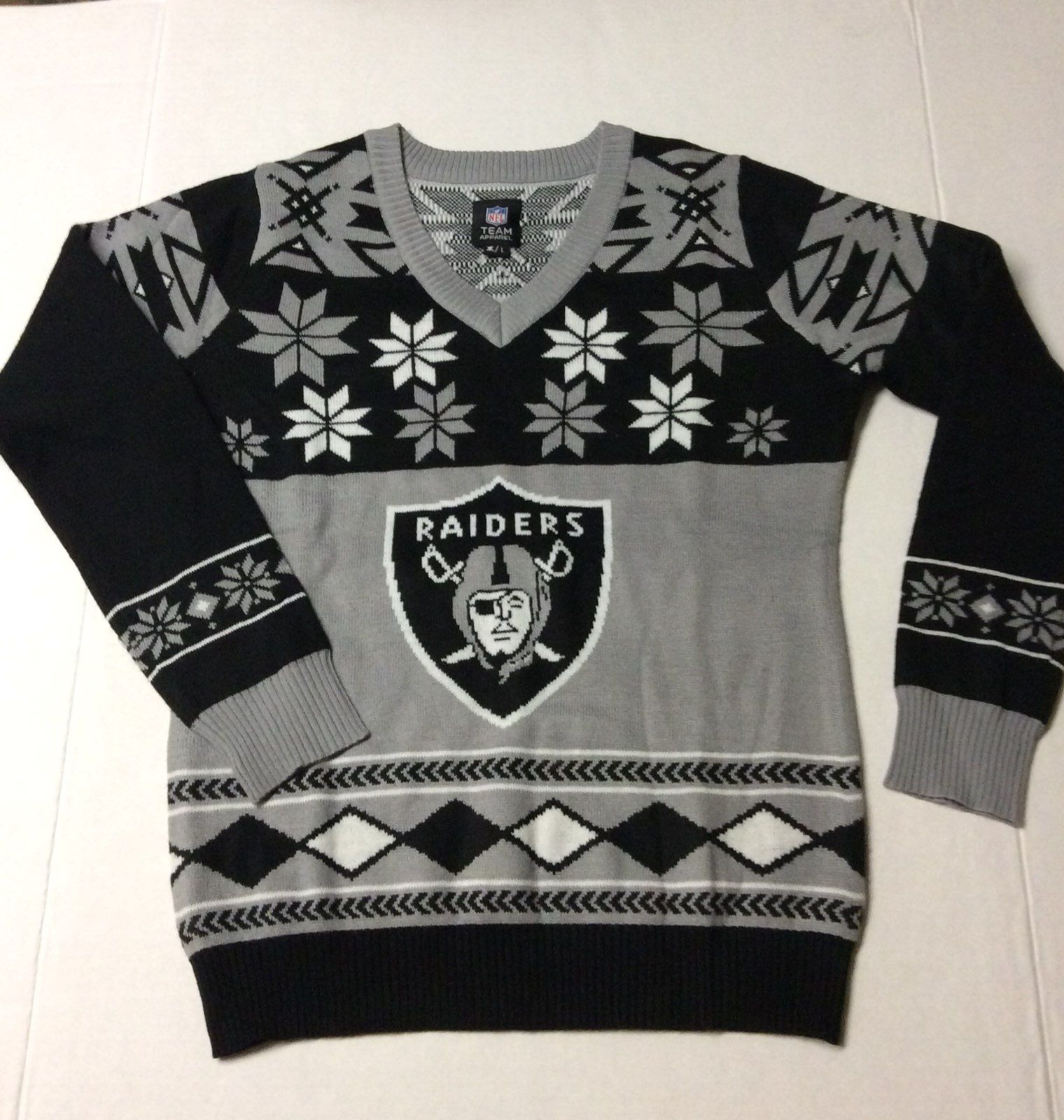 Christmas NFL Raiders Sweater Size L New