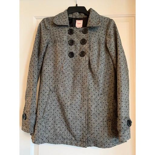 Candie's gray coat