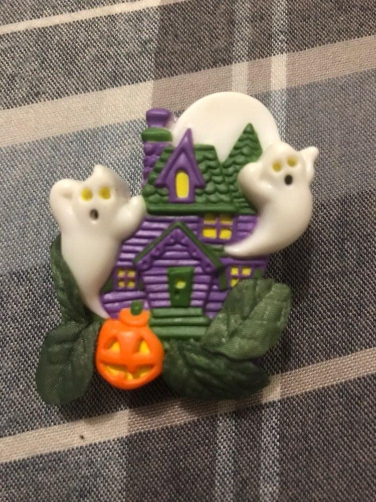 Avon ghost pin