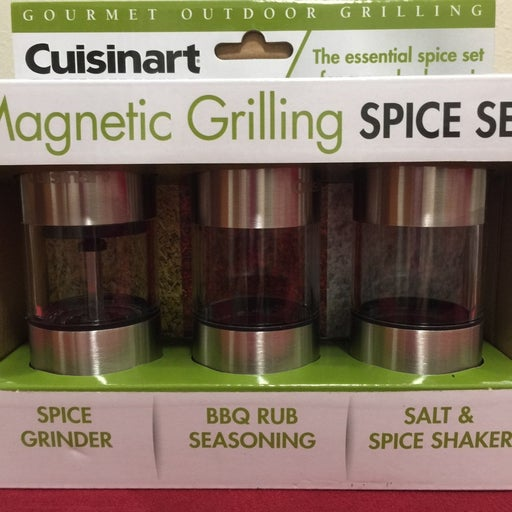 Magnetic spice rack for grilling