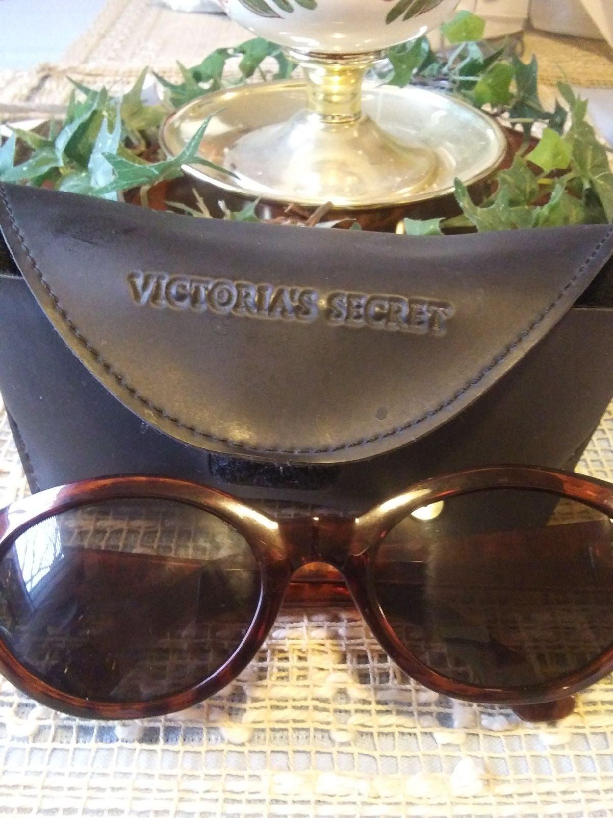 Victoria's Secret gorgeous sun glasses w