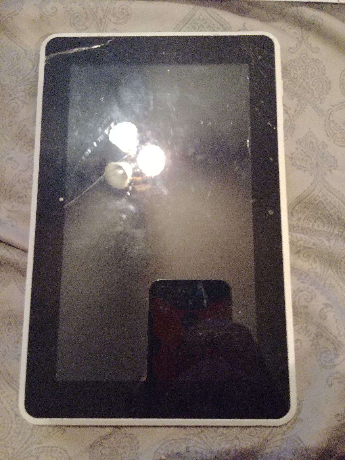 """HP Spare Tablet 7"""" White For Parts"""