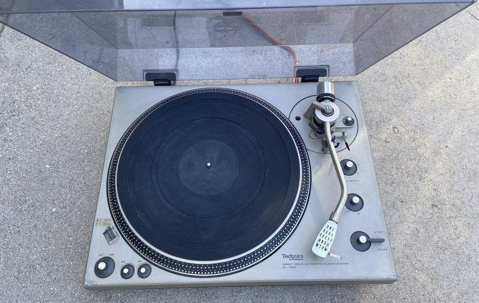 Turntable Technics SL-1300