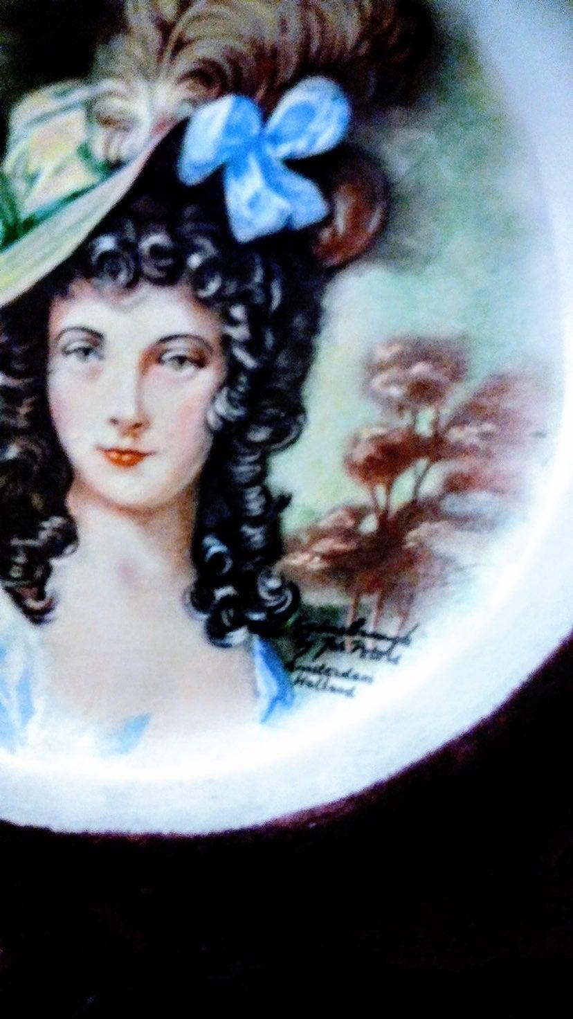 Velvet Framed Portrait Plate