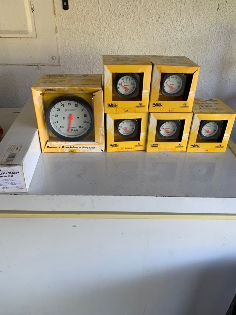 Autometer phantom white face gauges