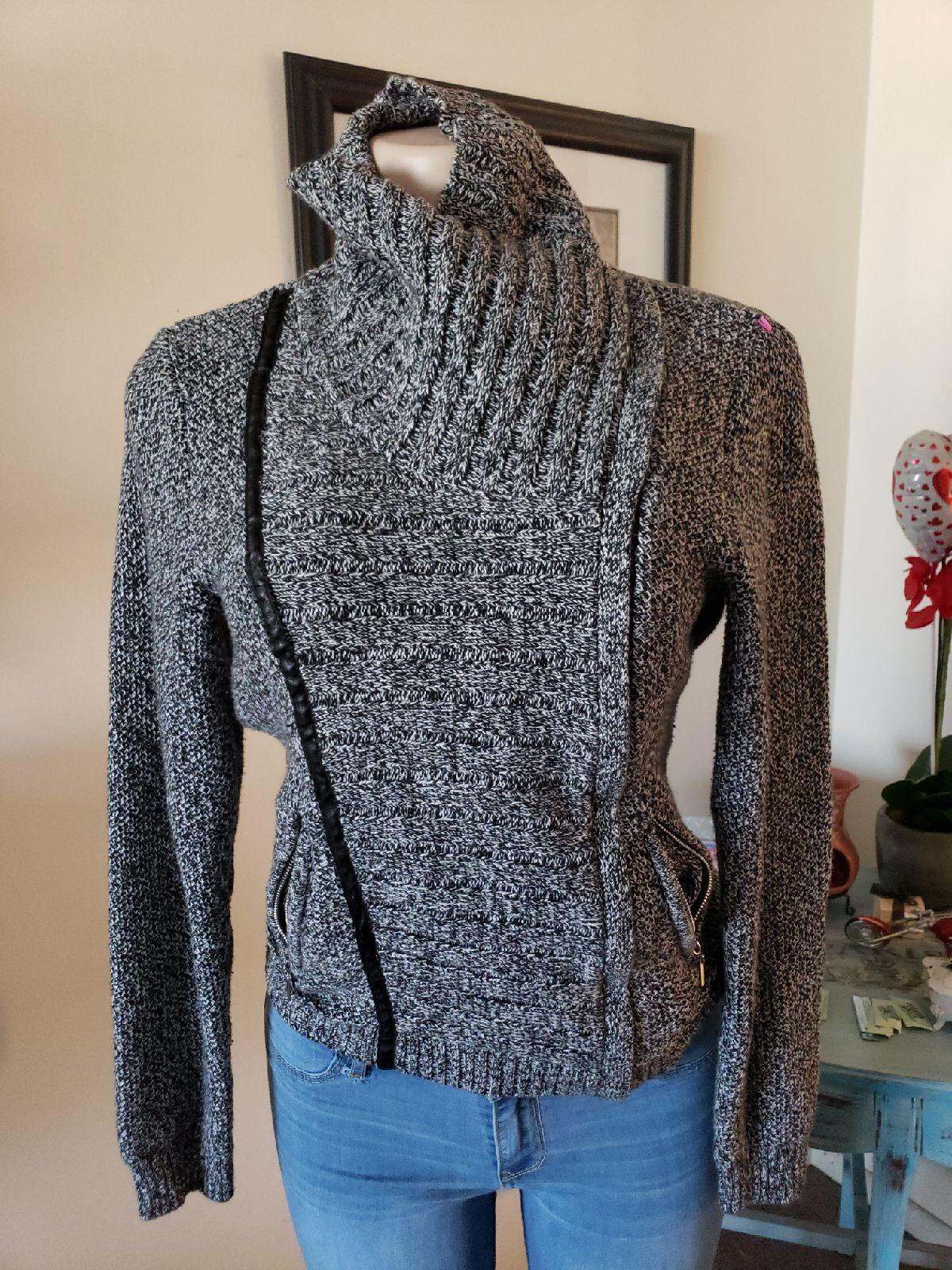 turtleneck sweater womens size M