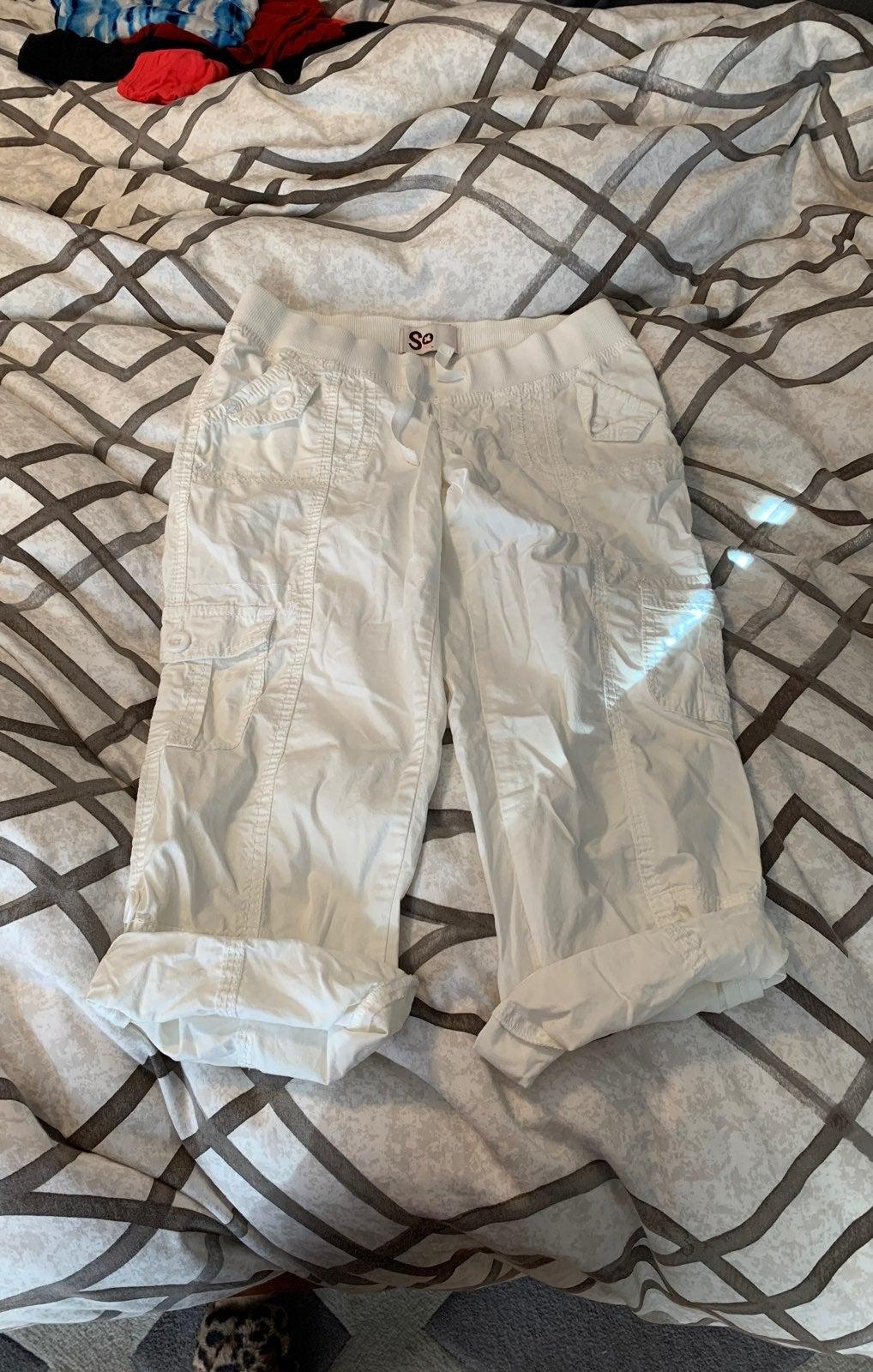 SO whote capri 'cargo' style pants