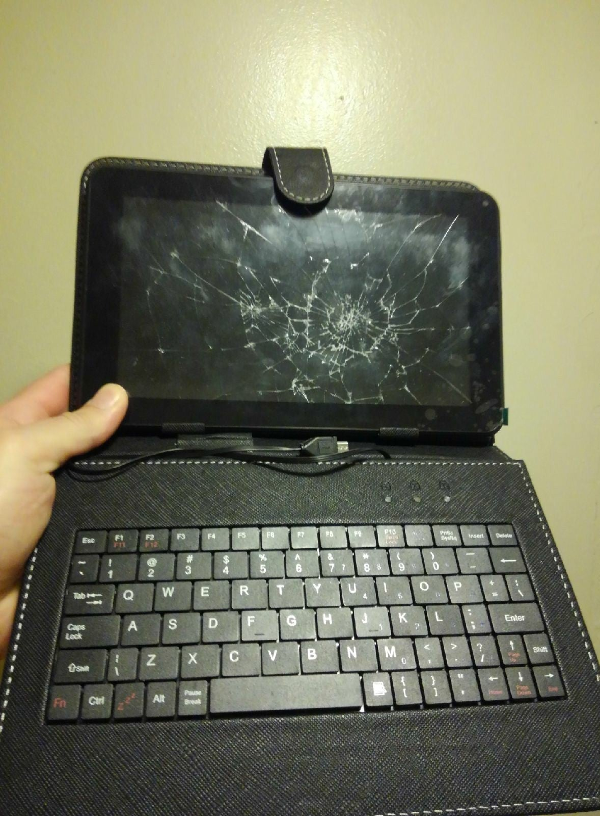 9 inch tablet (repair) and case keyboard