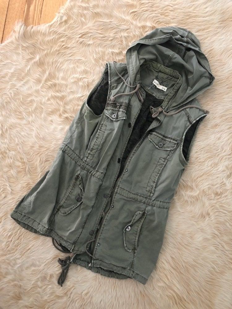 euc Anthropologie utility vest sz S / M