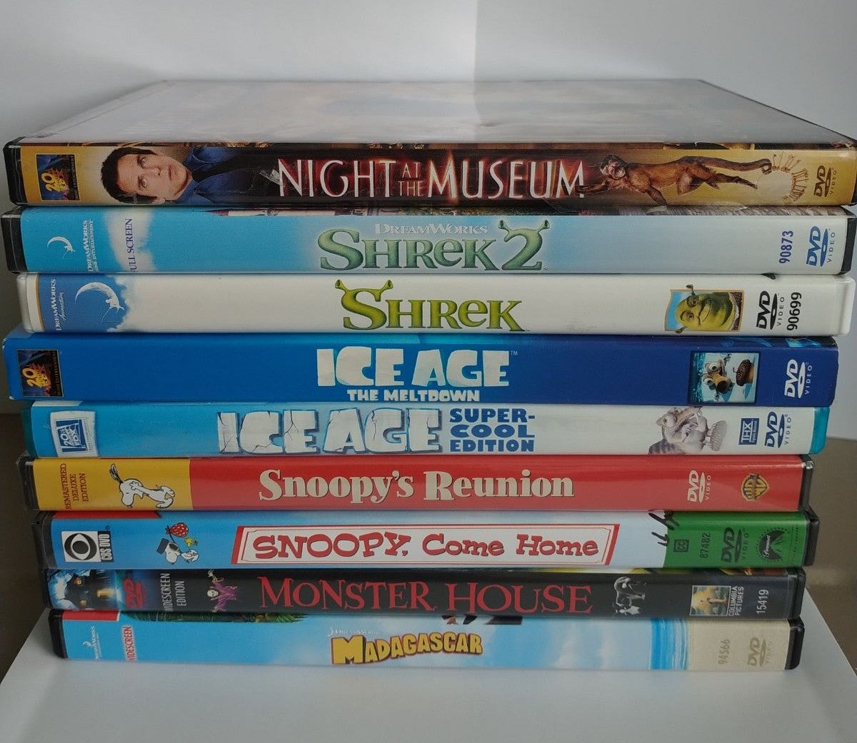 Kids Movies DVD lot 8 Family Films