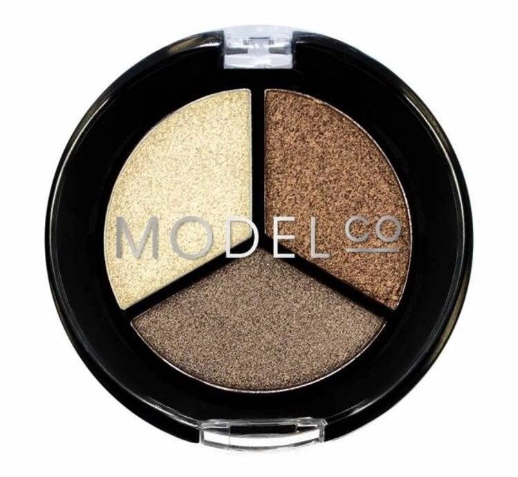 Model Co metallic eyeshadow bundle