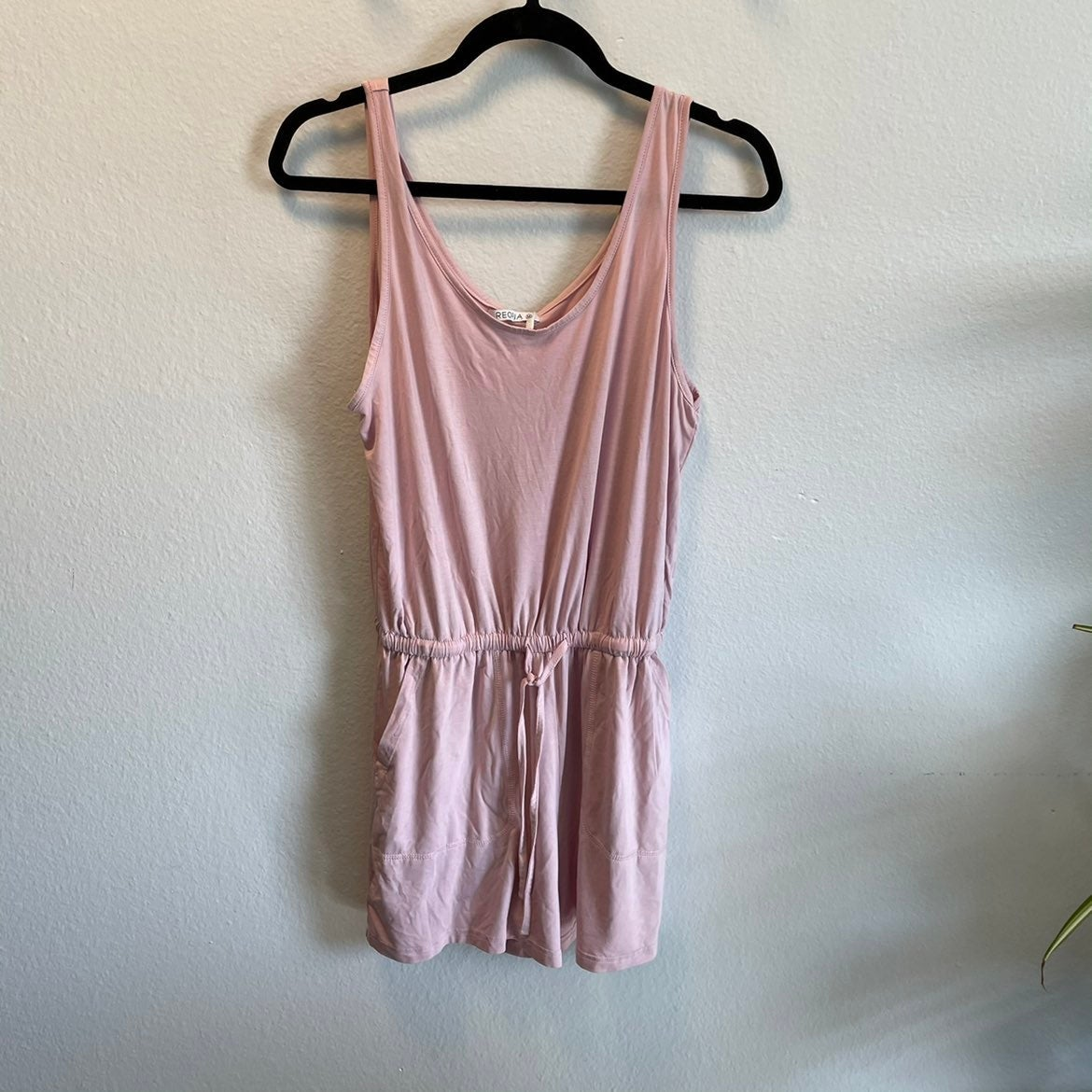 NWT pink romper with pockets
