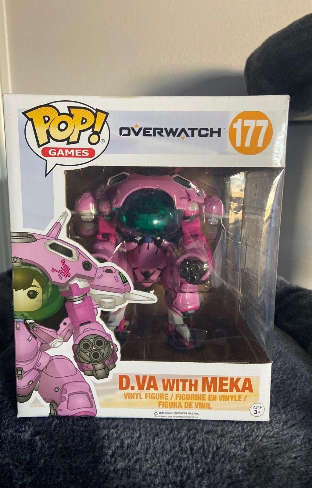 D.VA w/ meka Funko Pop