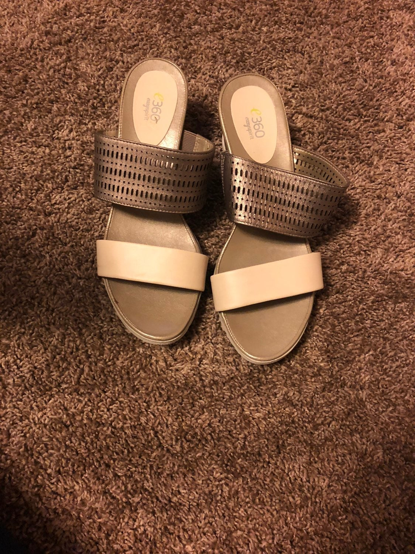 Comfy Sandals. Size 10