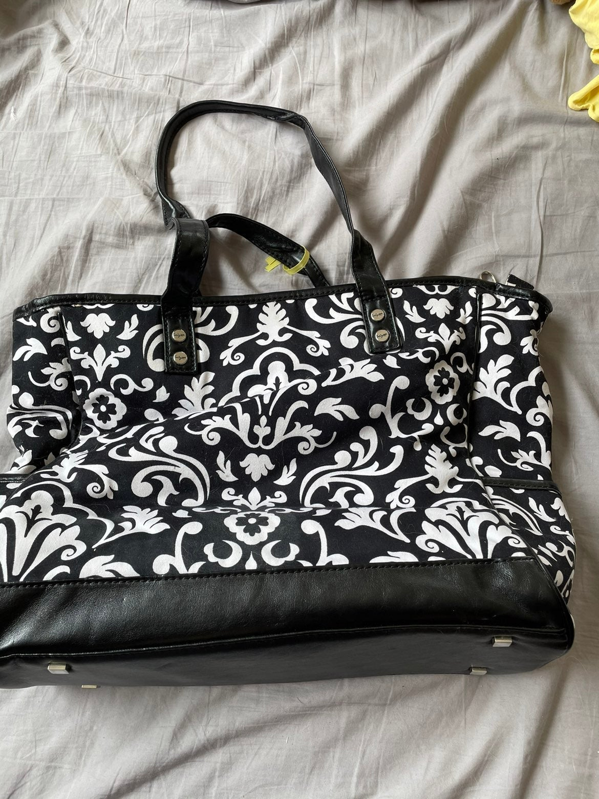 Thirty-one tote with pockets new
