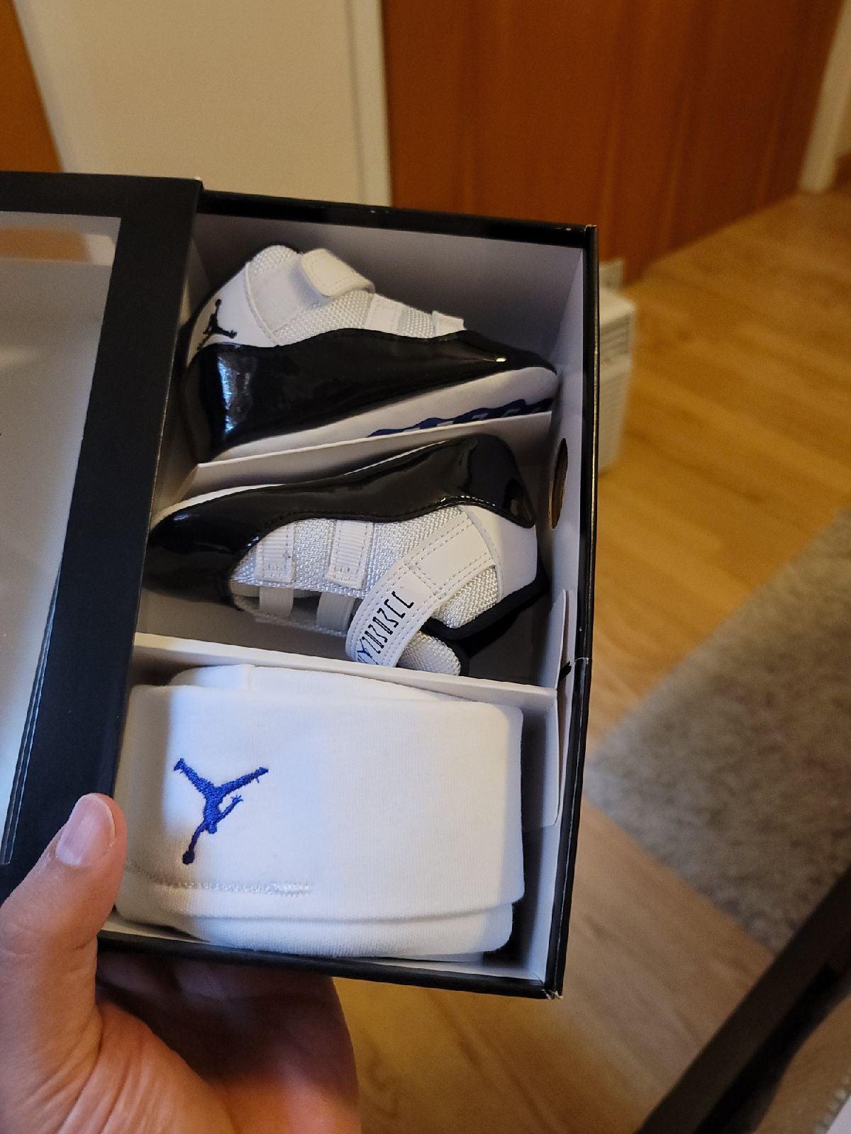 Air Jordan gift pack size 4C