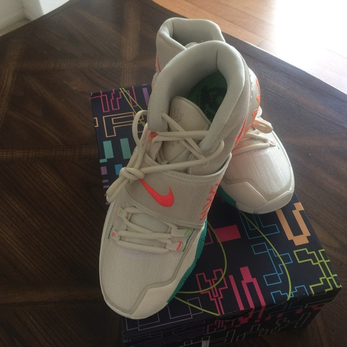 Kyrie 6 N7 CW1785-200 Light Cream/Flash