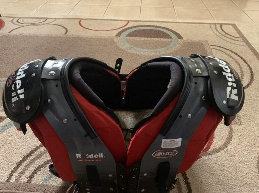 Adult XL Ridell Shoulder Pads w/ Xenith
