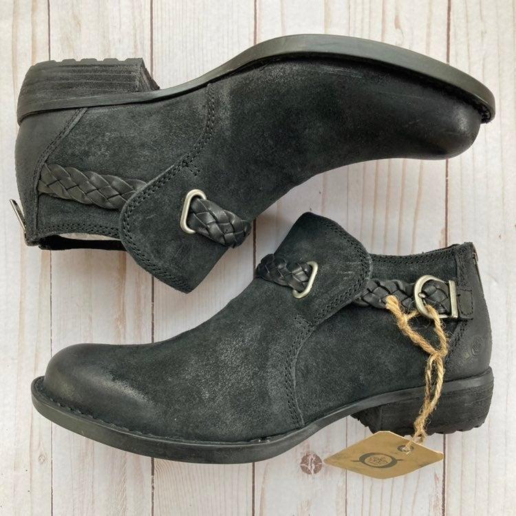 Born Sylvia Black Ankle Bootie 6.5M