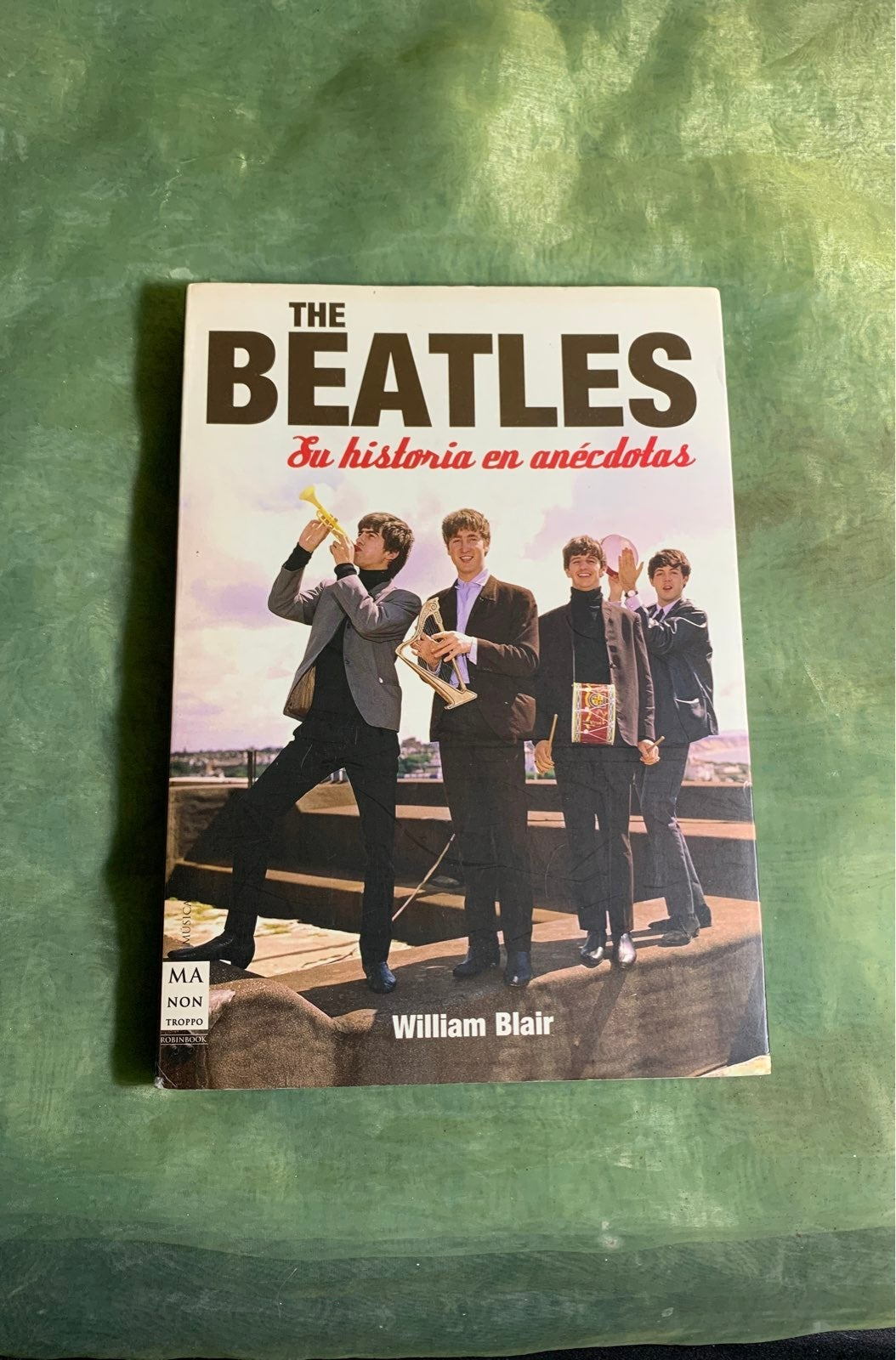 The Beatles Spanish/En Espanol book